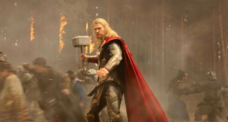 Chris-Hemsworth-in-Thor-The-Dark-World-2013-Movie-Image-2