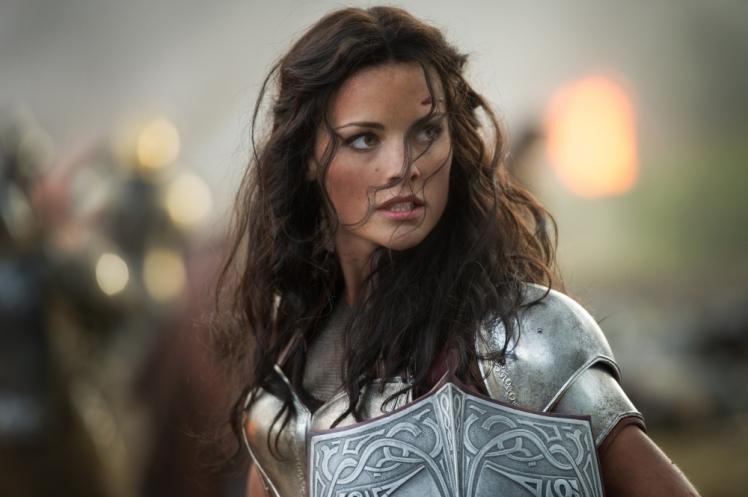 Jaimie-Alexander-in-Thor-The-Dark-World-2013-Movie-Image